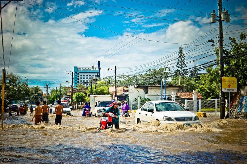 Pengertian Banjir,Faktor Penyebab Banjir,Faktor Ulah Manusia,Faktor Alam,Jenis-Jenis Banjir,Banjir Air,Banjir Bandang,Banjir Lahar,Banjir Cileunang,Banjir Lumpur,Banjir Rob,Banjir Kiriman ,Dampak Banjir,Dampak Negatif,Dampak Positif,Upaya Pencegahan Banjir,Upaya Mitigasi Bencana Banjir,Sebelum Terjadi Bencana Banjir,Saat Terjadi Bencana Banjir,Setelah Terjadi Bencana Banjir,pengertian banjir,pengertian banjir bandang,pengertian banjir menurut para ahli,pengertian banjir rob,pengertian banjir dan penyebabnya,pengertian banjir kiriman,pengertian banjir lahar dingin,pengertian banjir penyebab dan cara penanggulangannya,pengertian peil banjir,faktor penyebab banjir karena ulah manusia,faktor penyebab terjadinya banjir sebagai berikut,faktor alam penyebab banjir,faktor sosial penyebab banjir,faktor penyebab terjadinya banjir faktor alam,penyebab banjir brainly,penyebab banjir bandang,cara mengatasi banjir,faktor penyebab banjir karena ulah manusia,,faktor penyebab terjadinya banjir sebagai berikut,,faktor alam penyebab banjir,,faktor sosial penyebab banjir,,faktor penyebab terjadinya banjir faktor alam,,penyebab banjir brainly,,penyebab banjir bandang,,cara mengatasi banjir,,Navigasi Halaman
